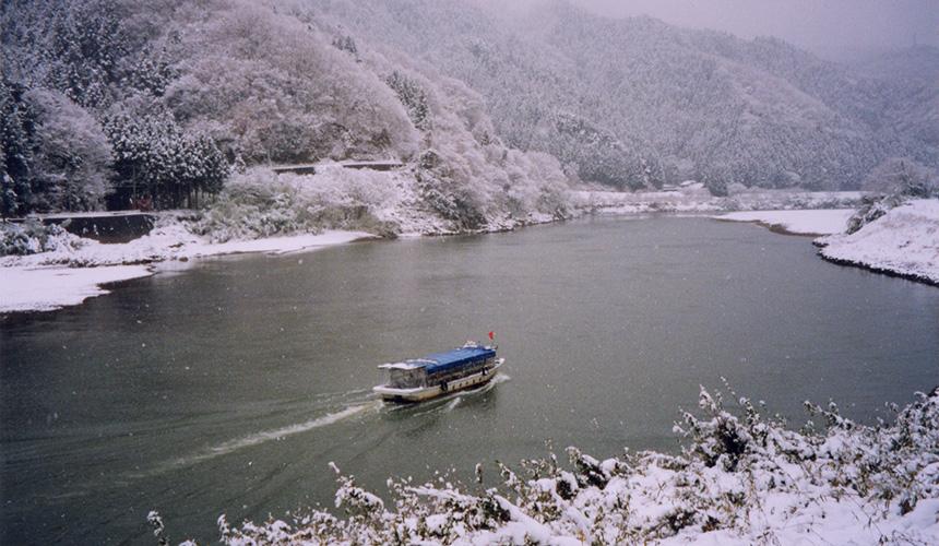 宮城縣冬天的暖桌船