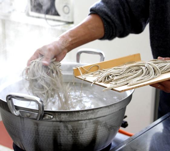 煮蕎麥麵示意圖