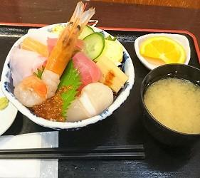 仙台早上逛什么?来仙台朝市吃最新鲜海鲜料理吧!