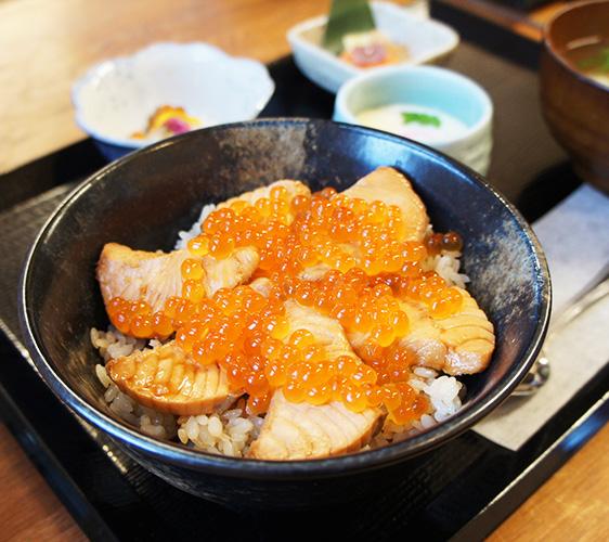 魚屋Hide宮城在地料理はらこ飯