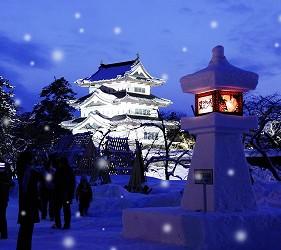 日本青森弘前的弘前城雪灯笼节(弘前城雪灯笼まつり)照片之一